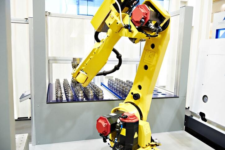 Yellow Robot Cell Pick and Place Process
